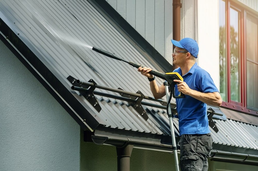 Midwest area Roof cleaning services
