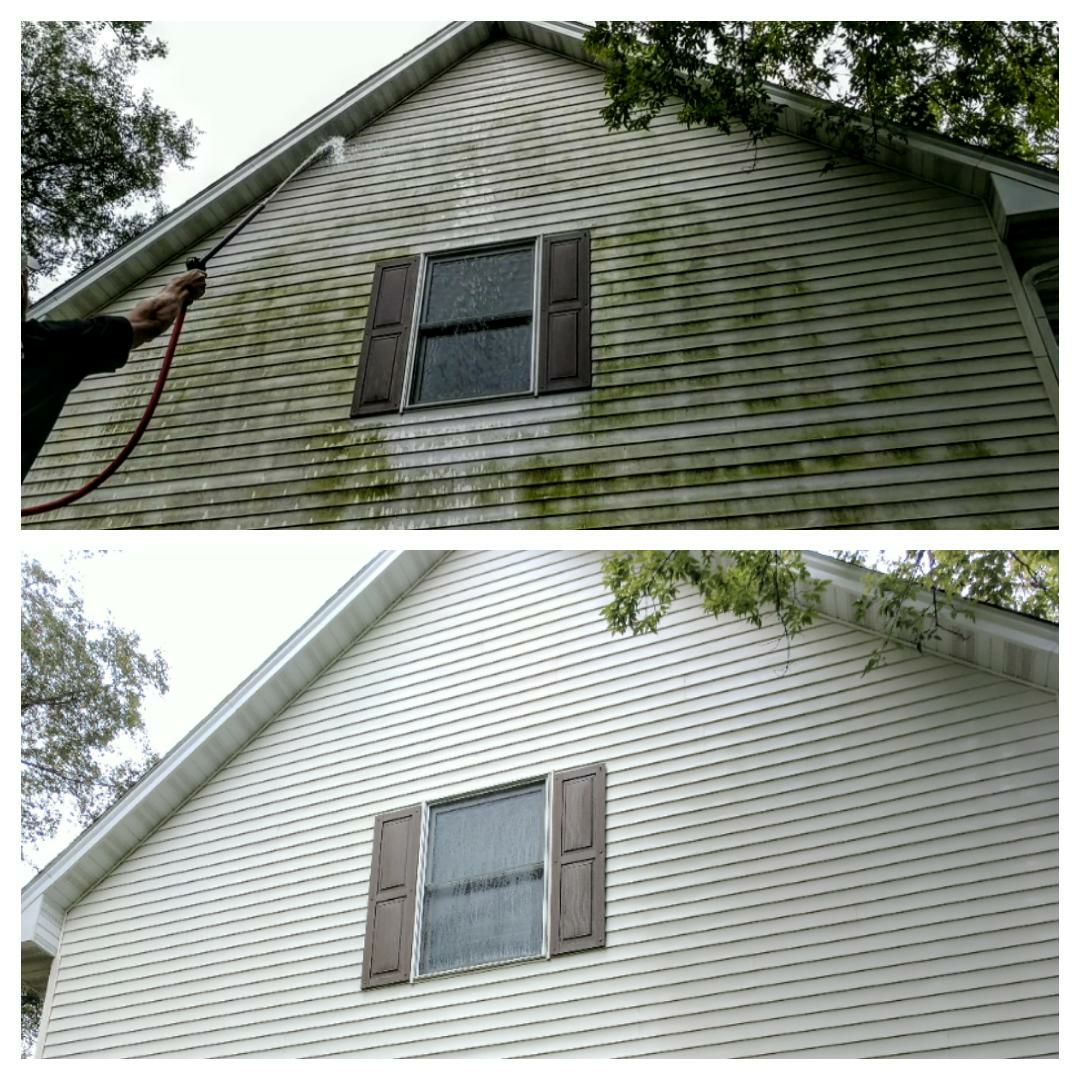 Exterior house washing and siding cleaning in Cincinatti, OH
